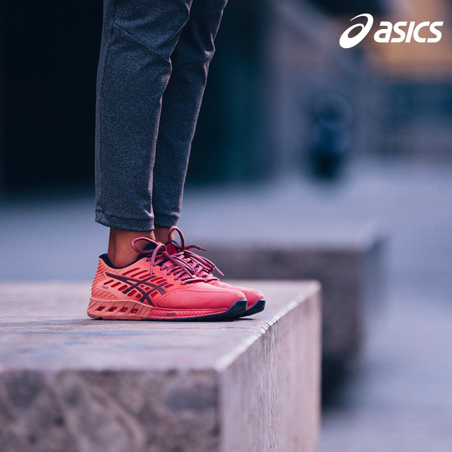 Allestimento visual merchandising per Asics by Yu Retail