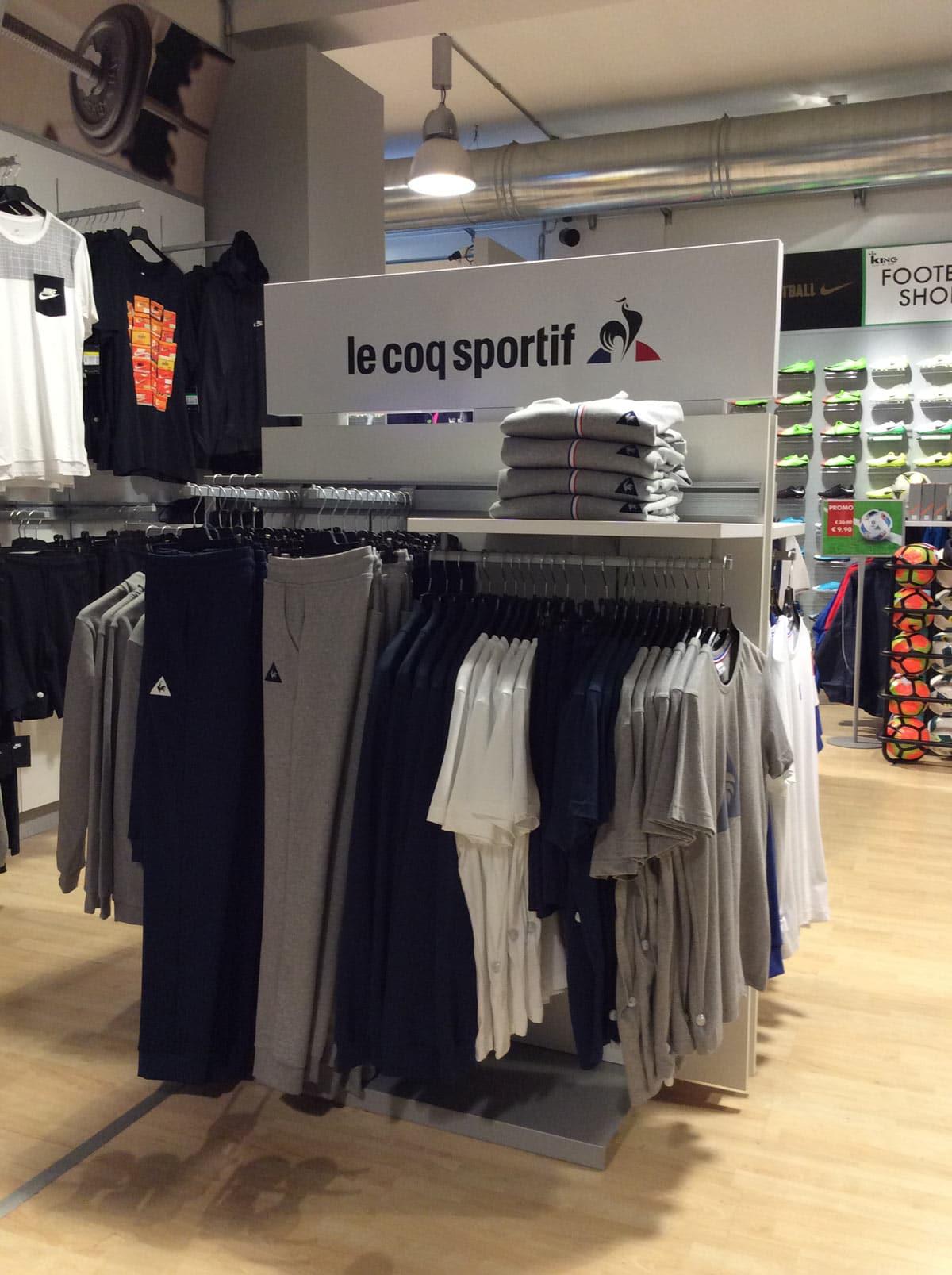 Allestimento visual merchandising per Le Coq Sportif by Yu Retail
