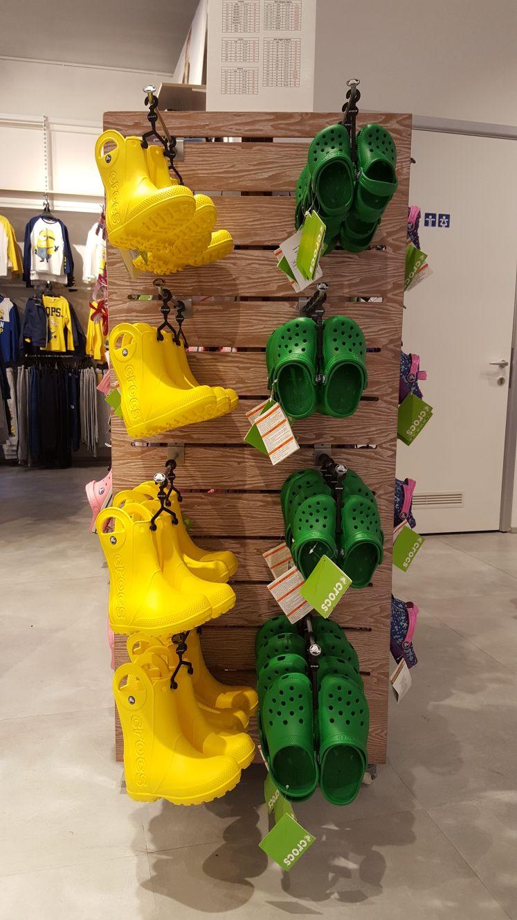 Allestimento visual merchandising per Crocs by Yu Retail