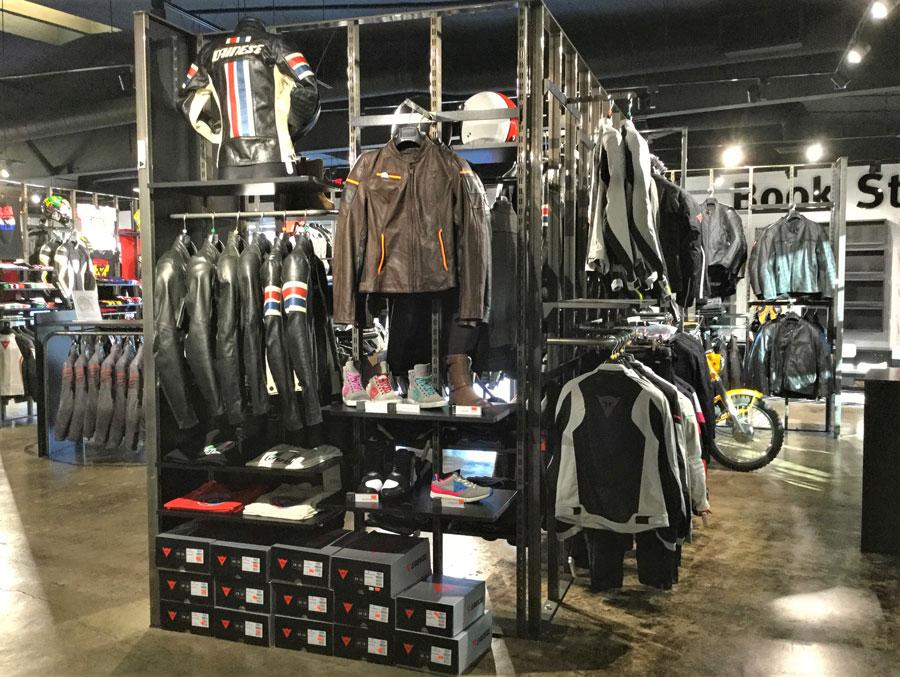 Allestimento visual merchandising per Dainese by Yu Retail