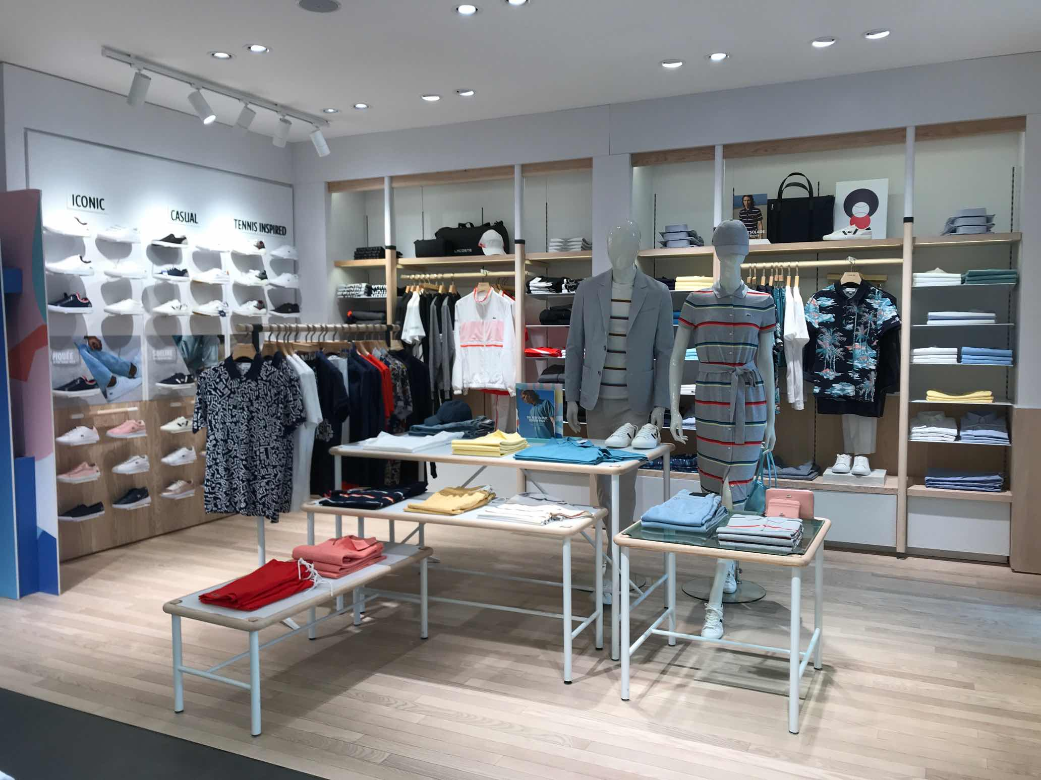 Allestimento visual merchandising per Lacoste by Yu Retail