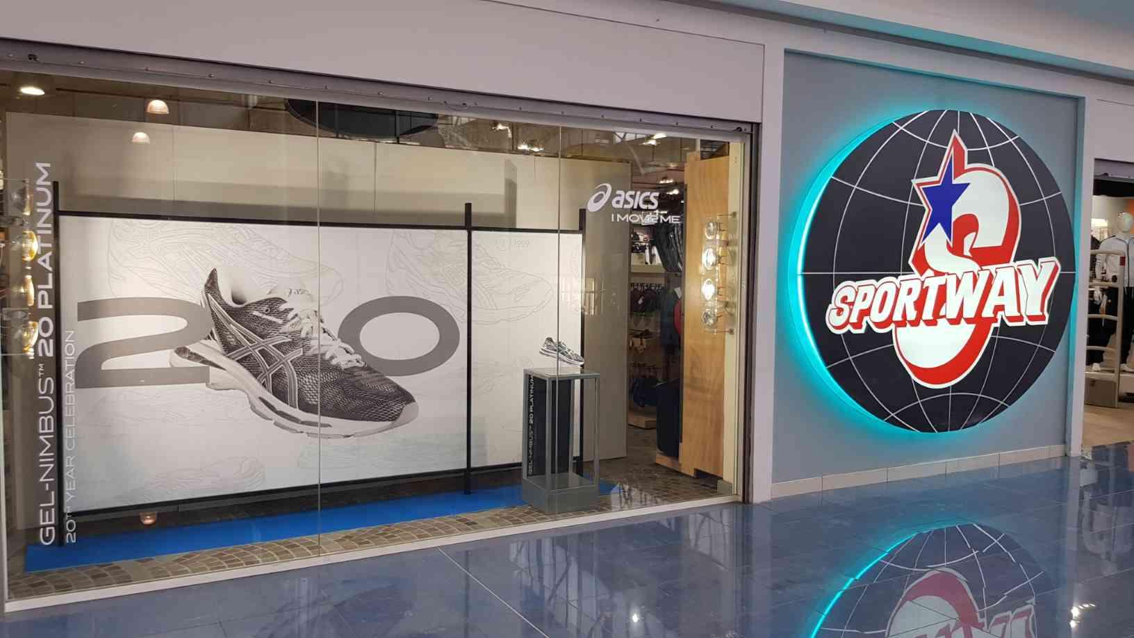 Allestimento visual merchandising per Asics by Yu Retail