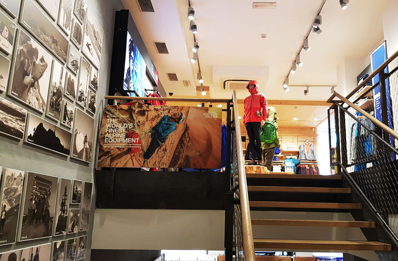 Allestimento visual merchandising per The North Face by Yu Retail