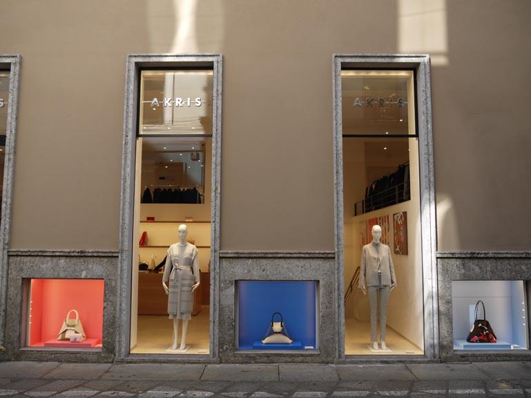 Allestimento visual merchandising per Akris by Yu Retail