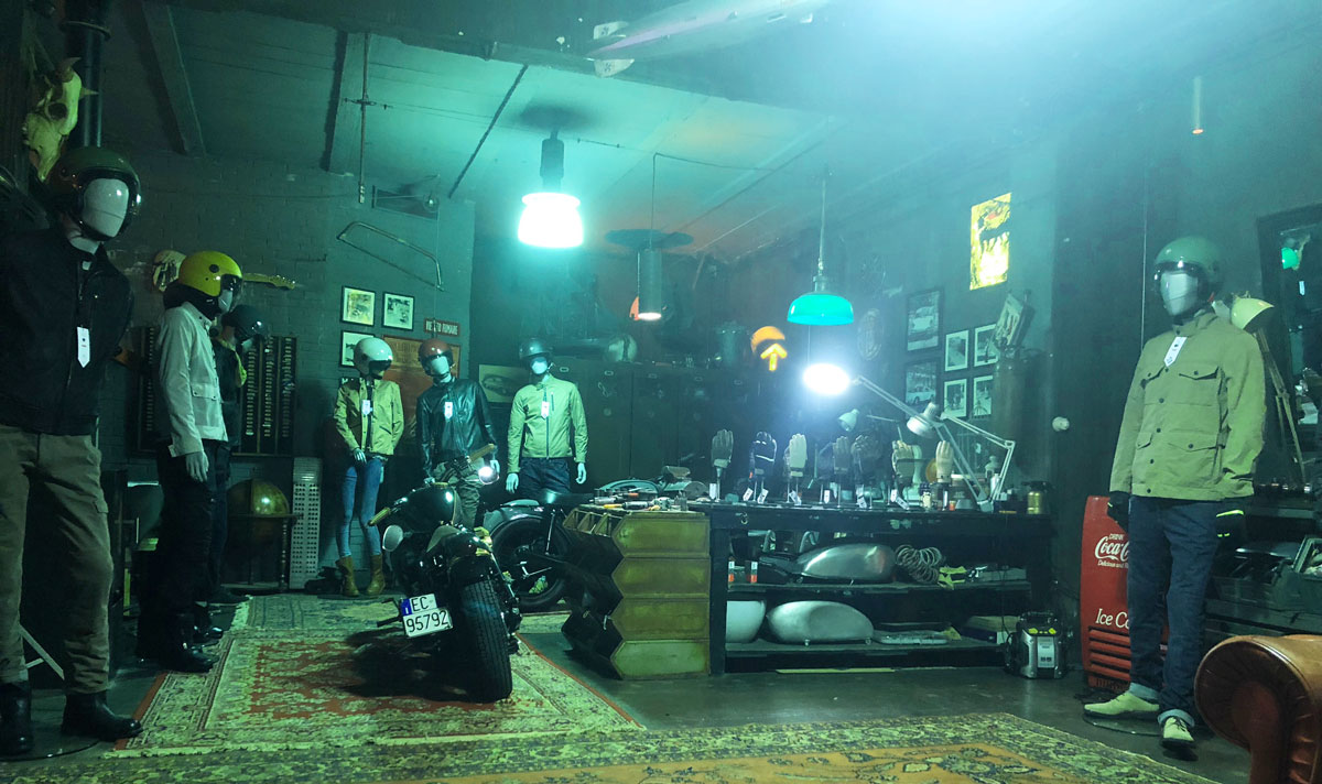 Allestimento visual merchandising per Tucano Urbano by Yu Retail