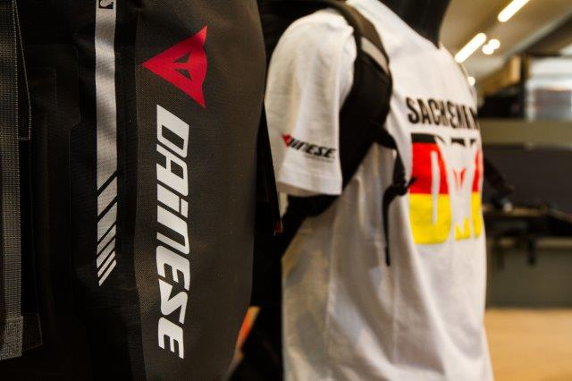 Allestimento visual merchandising per Dainese by Yu Retail