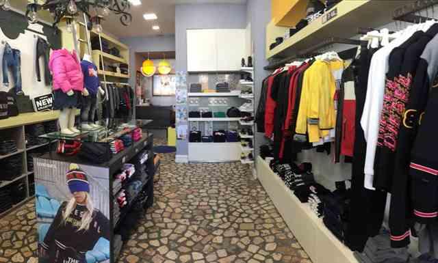 Allestimento visual merchandising per Diesel by Yu Retail