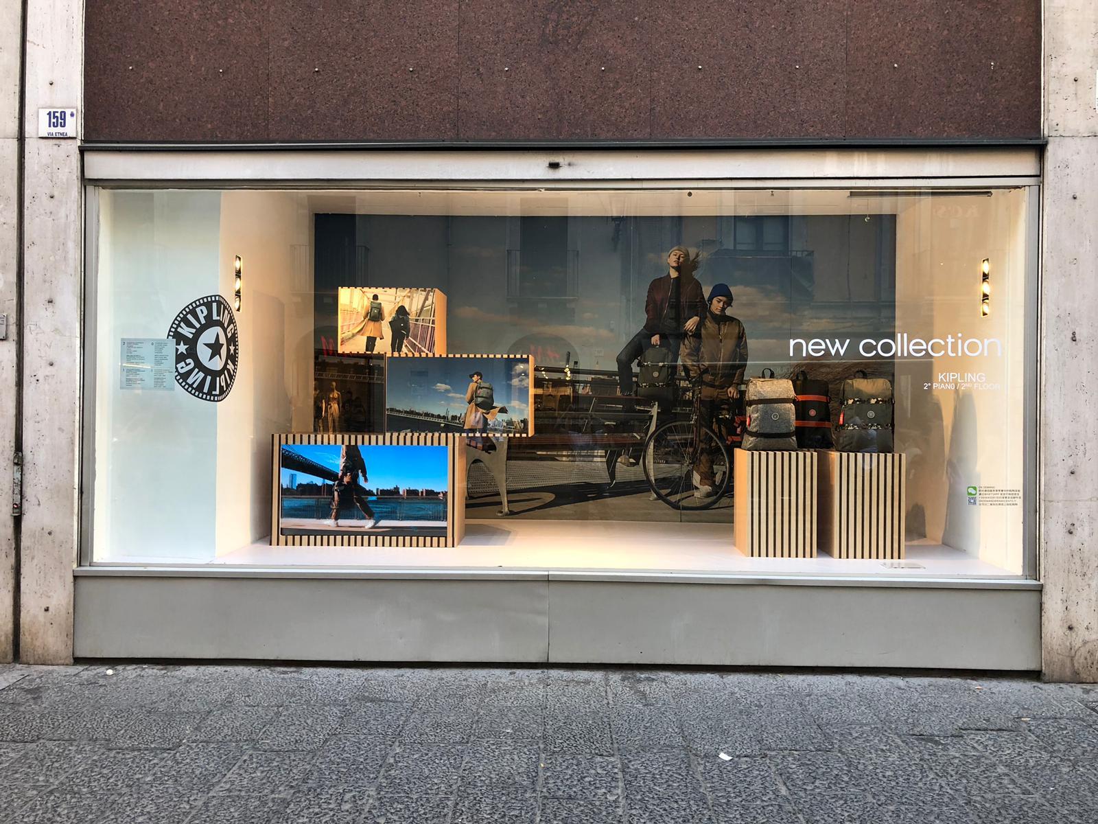 Allestimento visual merchandising per Kipling by Yu Retail